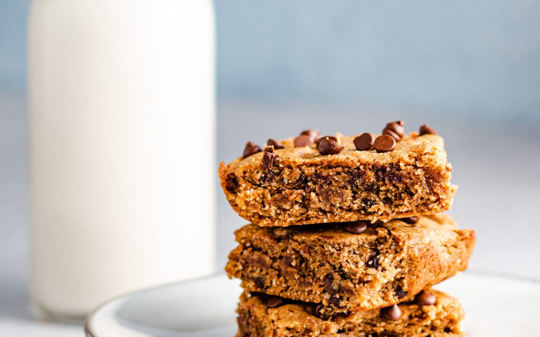 Healthier Chocolate Chip Cookie Bars